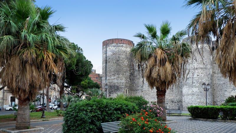 著名地标帝堡城Ursino,古老城堡在卡塔尼亚,西西里岛,意大利南部 图库摄影
