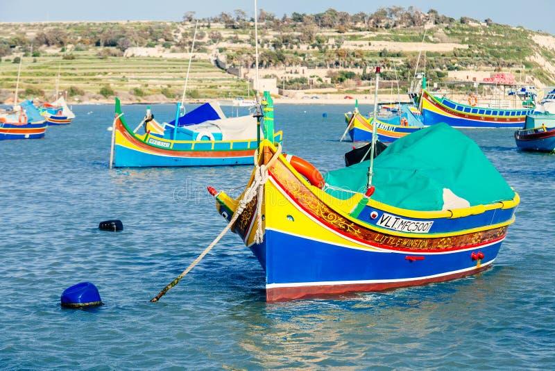 著名多彩多姿的渔夫的小船在马尔萨什洛克-传统渔村,马耳他 库存图片