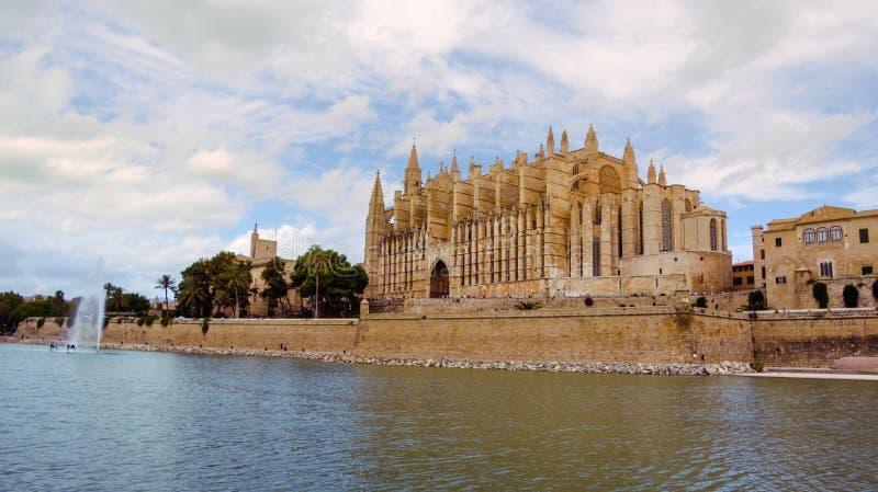 著名大教堂La Seu在帕尔马,西班牙 免版税库存照片
