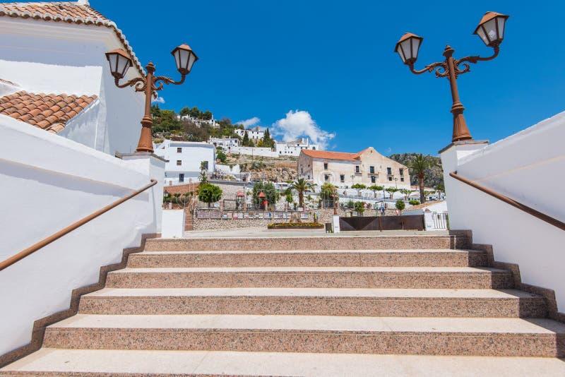 著名弗里希利亚纳,马拉加历史的街道省,西班牙 免版税库存照片