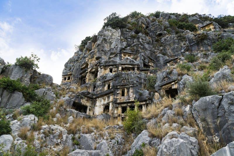 著名摇滚删节的Lycian坟茔在迈拉代姆雷,土耳其 免版税库存照片