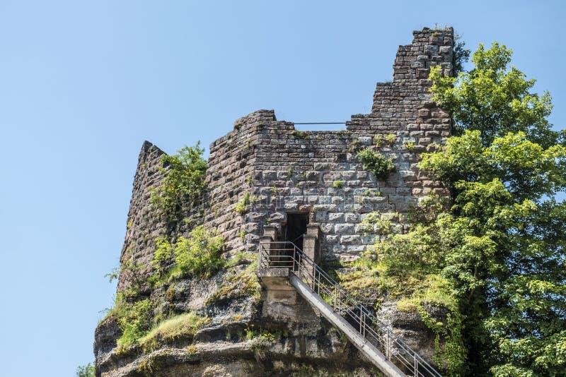 著名欧特巴尔城堡, Alsave, Saverne,法国 免版税库存照片