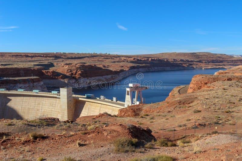 著名湖鲍威尔(;格兰Canyon);在页,亚利桑那,美国附近的水坝 免版税库存照片