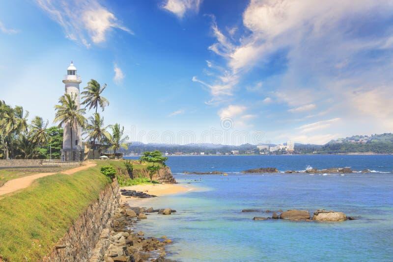 著名灯塔的美丽的景色在堡垒加勒,斯里兰卡的,在一个晴天 图库摄影