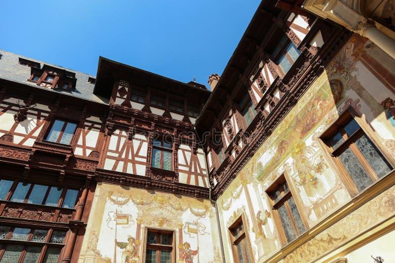 著名皇家Peles城堡,锡纳亚,罗马尼亚内部  图库摄影