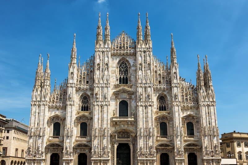 著名米兰大教堂中央寺院二米兰在米兰,意大利 免版税库存图片