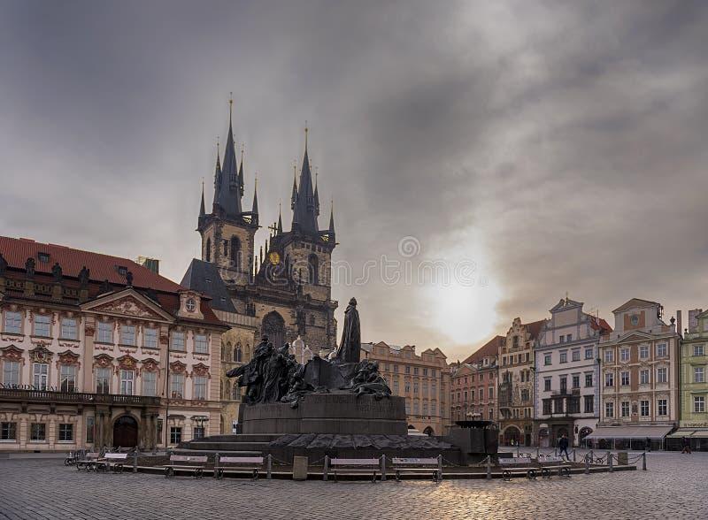 著名老镇中心的一幅全景在布拉格 库存图片
