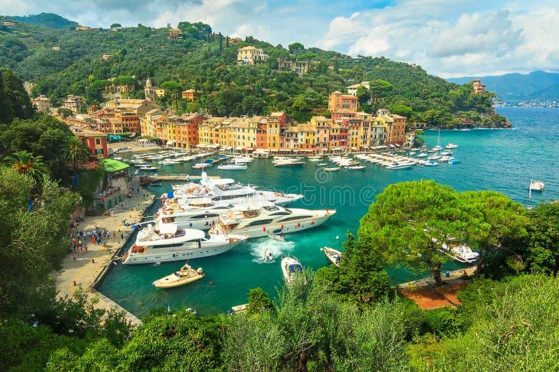 著名菲诺港村庄和豪华游艇,利古里亚,意大利 库存图片