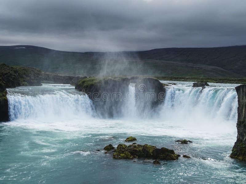 著名godafoss是其中一在i的最美丽的瀑布 免版税图库摄影