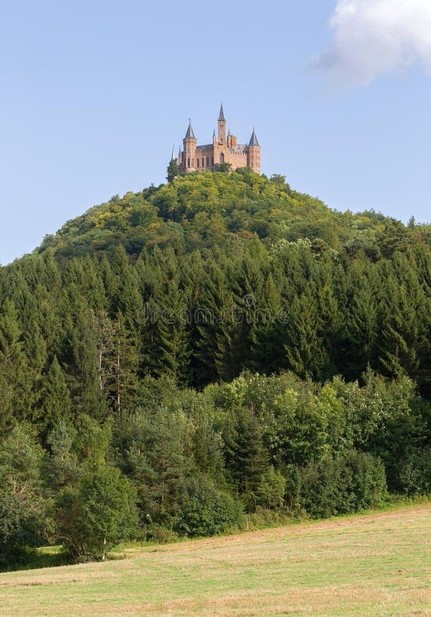 著名Hohenzollern城堡,祖先位子鸟瞰图  免版税库存照片