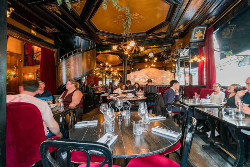 著名L'Escargot Montorgueil餐馆 免版税库存照片