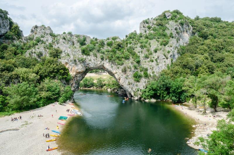 著名Pont d `弧在法国 库存照片
