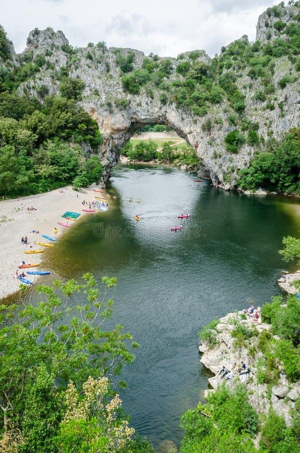 著名Pont d `弧在法国 免版税图库摄影