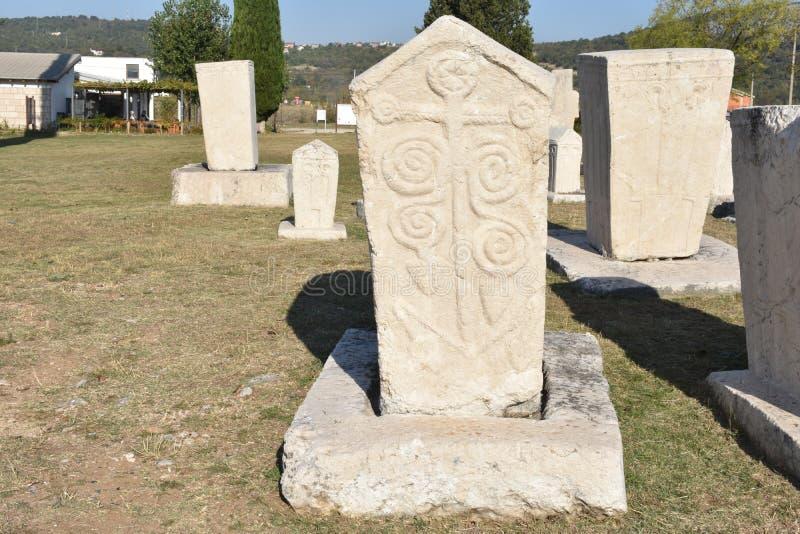 著名stecci在Radimlja中世纪大墓地 免版税库存图片