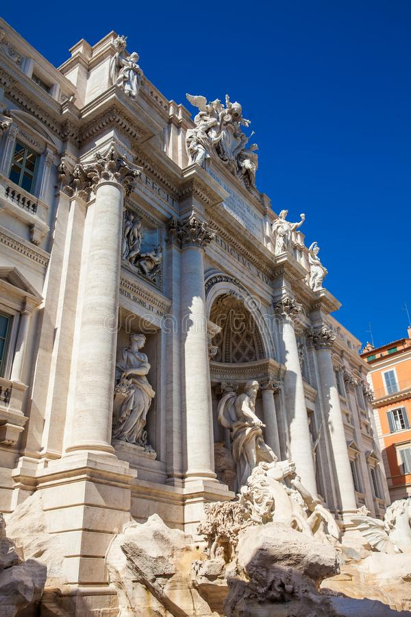 著名Trevi喷泉在1762年修造了在罗马 免版税图库摄影