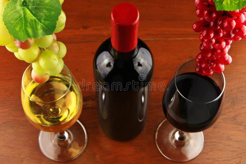葡萄和酒。 库存图片