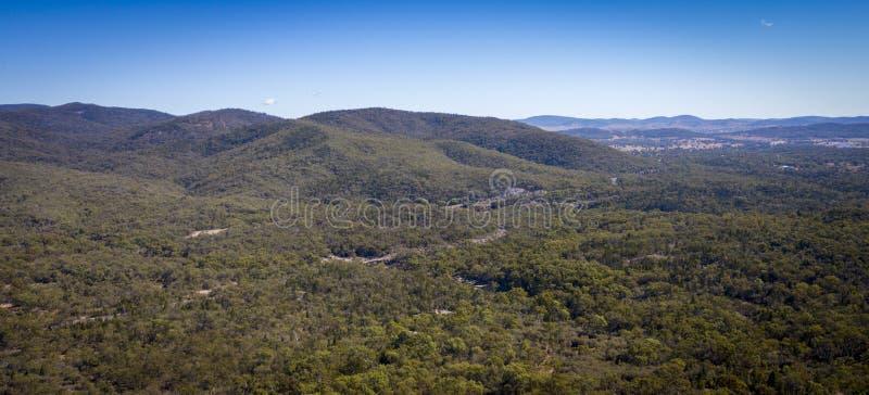 葡萄园和花岗岩鸟瞰图在Stanthorpe,澳大利亚晃动 库存照片