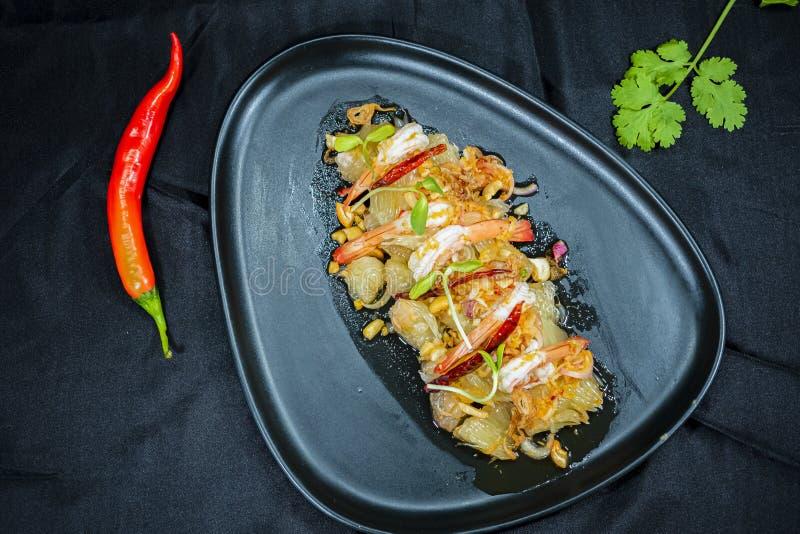 葡萄柚沙拉用大虾,泰国食物 库存图片