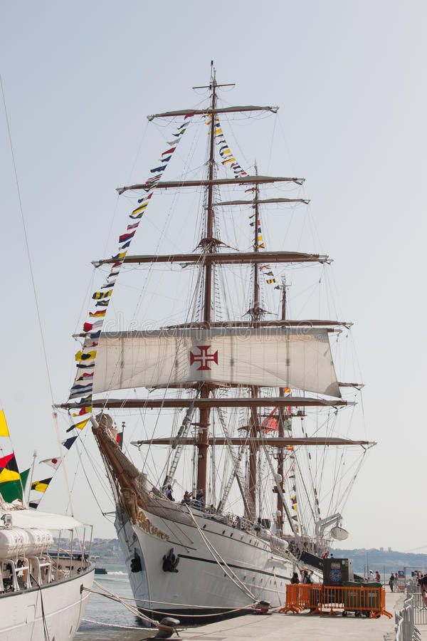 葡萄牙军舰, 库存图片