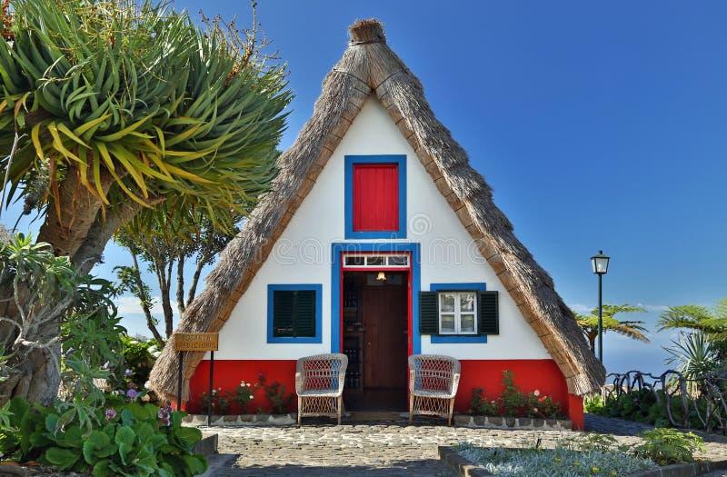 葡萄牙圣安娜马德拉小屋 免版税库存图片