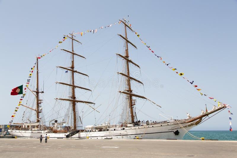 葡萄牙海军训练tallship萨格里什III,普腊亚,佛得角 免版税库存照片