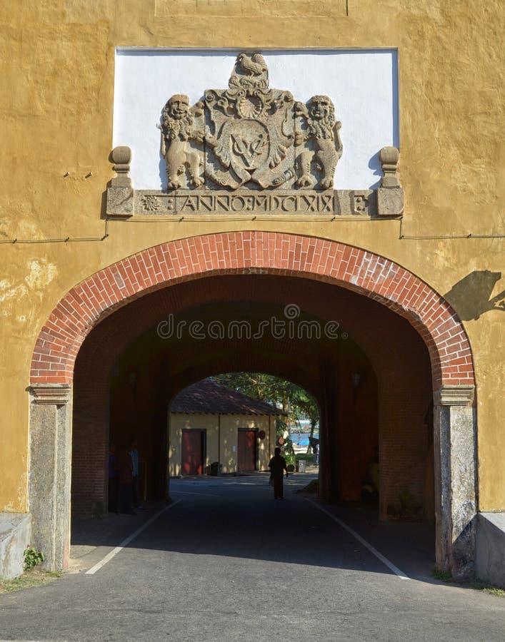 葡萄牙门到加勒堡垒里 免版税图库摄影