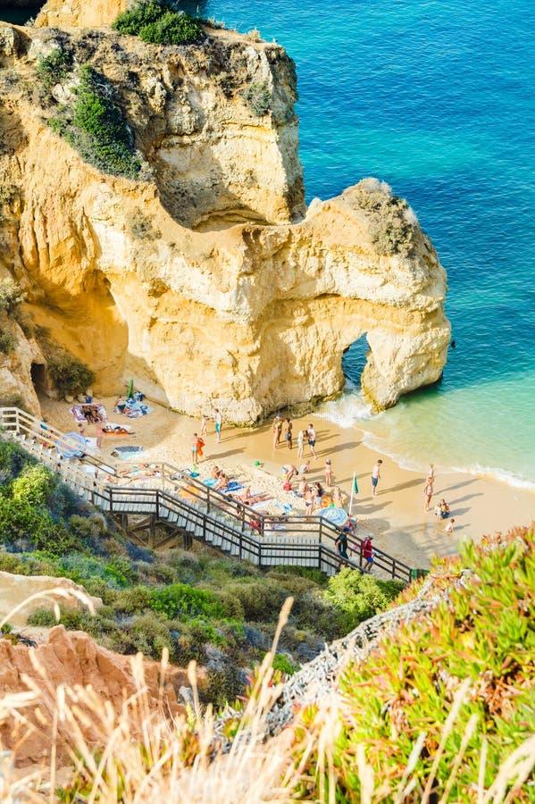 葡萄牙阿尔加威海滩普腊亚在拉各斯做卡米洛 免版税库存图片