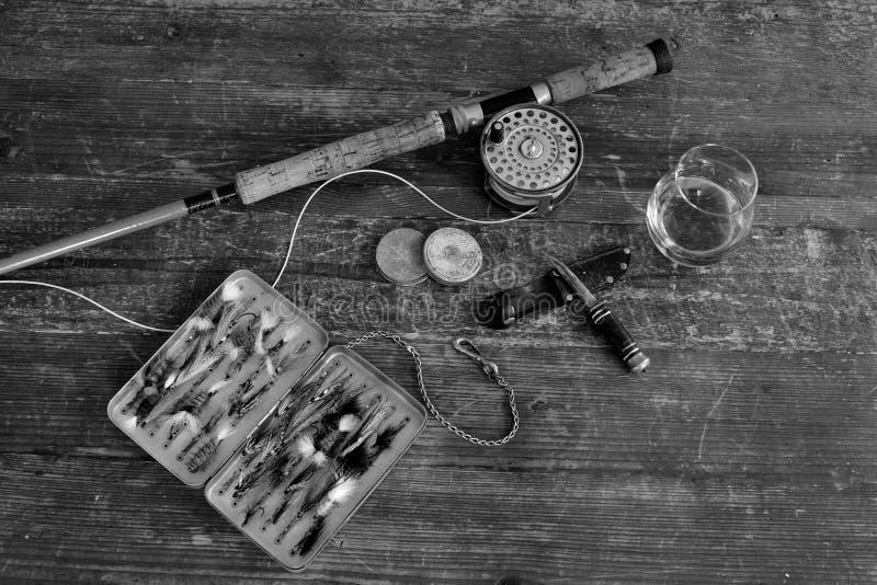 葡萄酒三文鱼用假蝇钓鱼准备 免版税库存照片