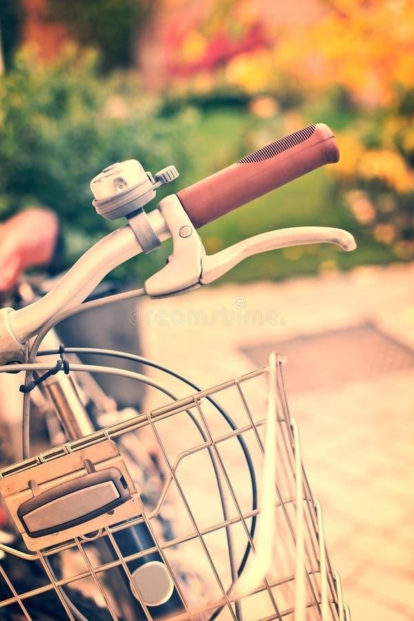 葡萄酒与bokeh的自行车细节 图库摄影