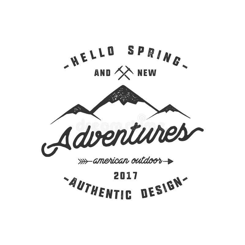 葡萄酒冒险手拉的标签设计 你好春天和新的冒险签字和室外活动标志-山 库存例证