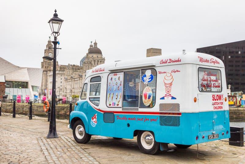 葡萄酒冰淇凌搬运车在阿尔伯特靠码头,利物浦,英国 库存图片