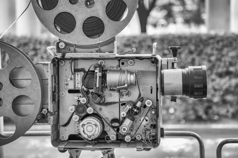 葡萄酒减速火箭的影片电影摄影机 免版税库存图片