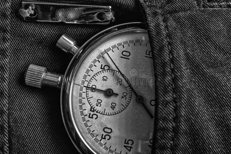 葡萄酒古董秒表,在牛仔布口袋,价值措施时间,老时钟箭头分钟,第二个准确性定时器纪录 免版税库存图片