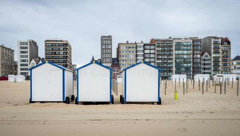 葡萄酒在海滩的海滩小屋行德帕内在比利时 免版税库存照片