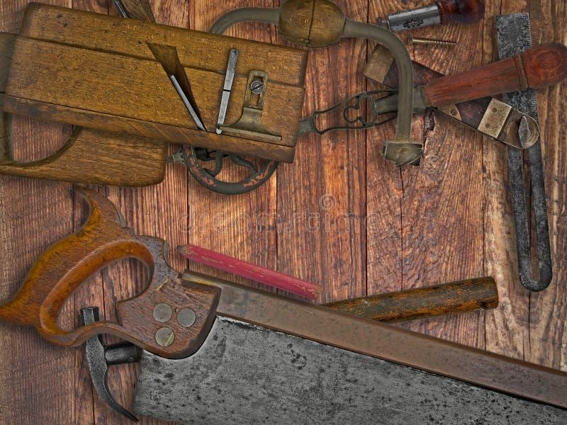 葡萄酒在长木凳的木材加工工具 免版税库存图片