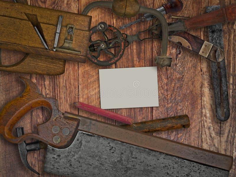 葡萄酒在长木凳的木材加工工具 免版税图库摄影