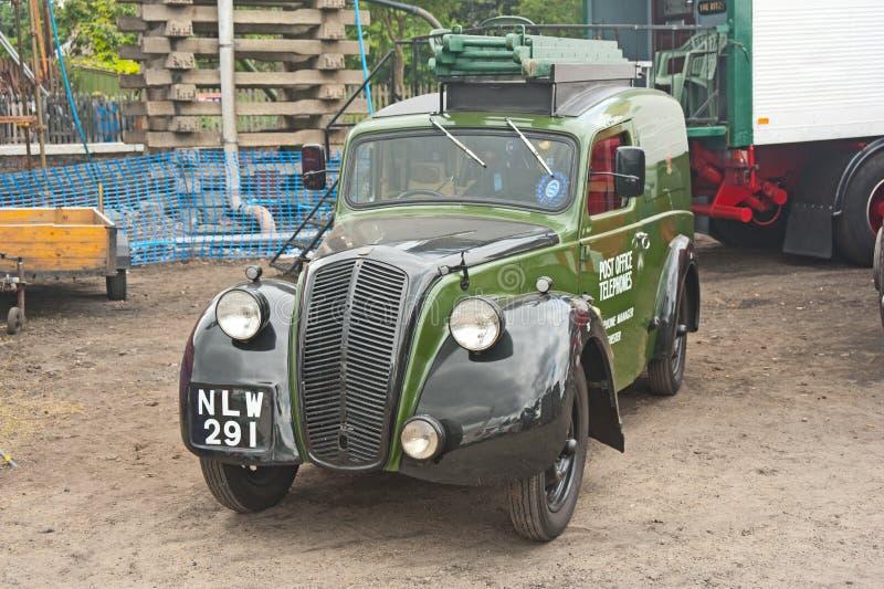 葡萄酒在1948年做的Morris有篷货车 库存图片