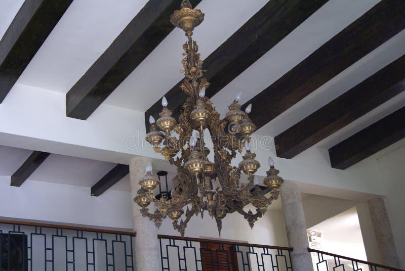 葡萄酒天花板照明设备灯枝形吊灯灯笼 库存照片