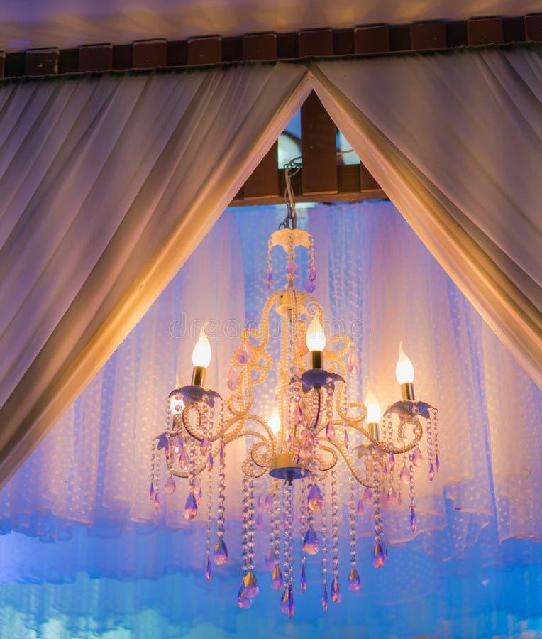 葡萄酒婚姻的照明设备装饰 免版税库存照片
