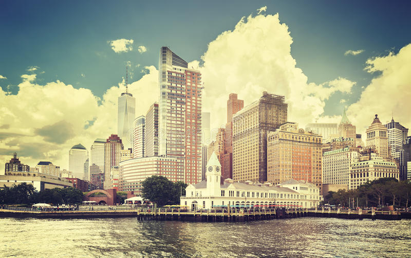 葡萄酒定了调子纽约江边的图片 免版税库存图片