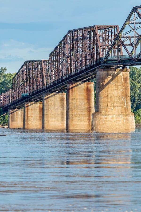 葡萄酒密西西比河桥梁 免版税库存图片