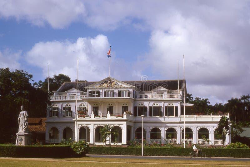 葡萄酒州长的宫殿的20世纪60年代图象在帕拉马里博,苏里南 免版税库存照片