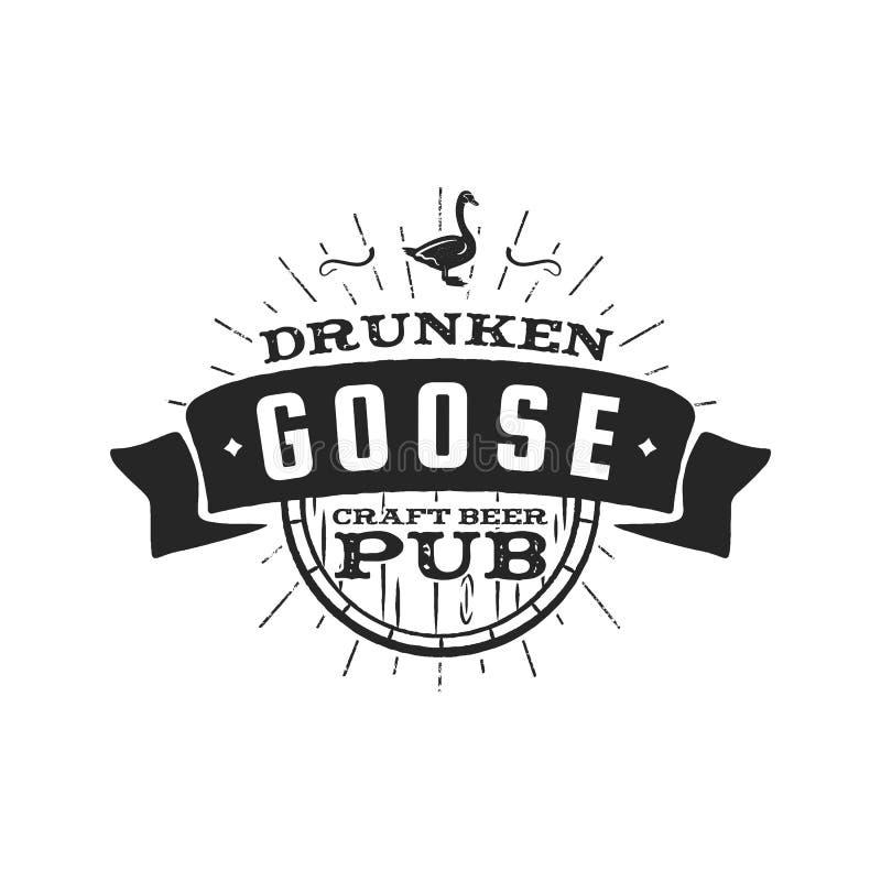 葡萄酒工艺啤酒客栈标签 酒醉鹅啤酒厂减速火箭的设计元素 酒吧和客栈的手拉的象征 事务 库存例证