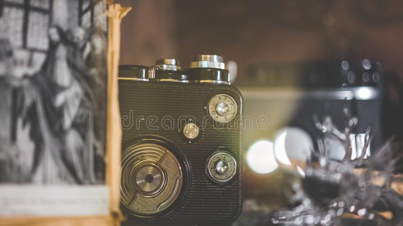 葡萄酒影片照相机集合可收回 免版税库存图片