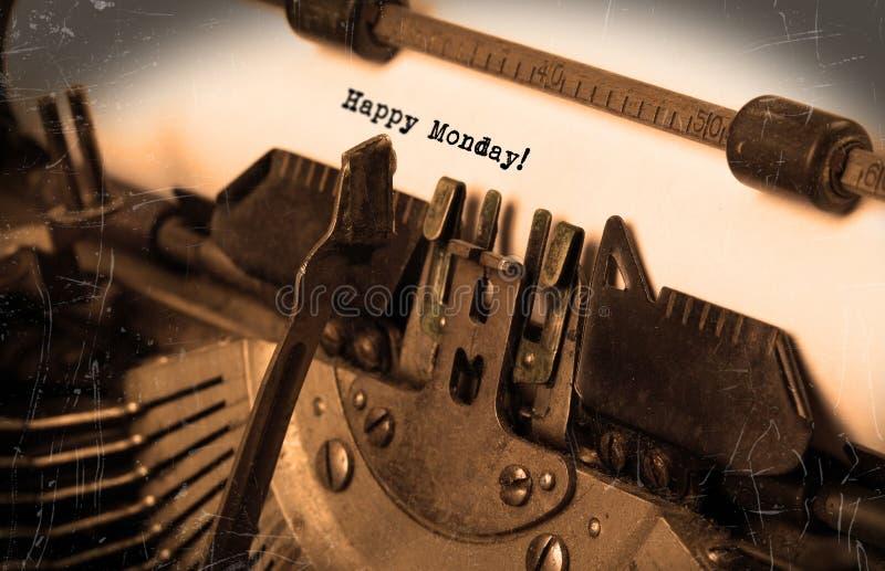 葡萄酒打字机特写镜头-愉快的星期一 库存图片