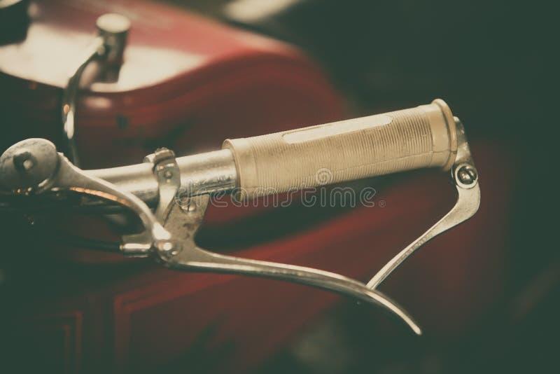 葡萄酒摩托车与杠杆的车把把套 库存照片