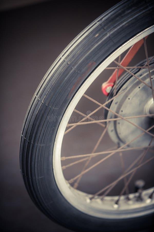 葡萄酒摩托车轮子 库存图片