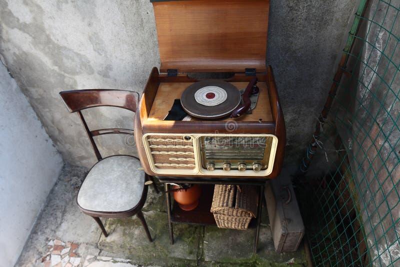 葡萄酒收音机 图库摄影