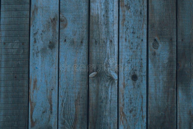 葡萄酒木深蓝水平的板 o r 库存图片