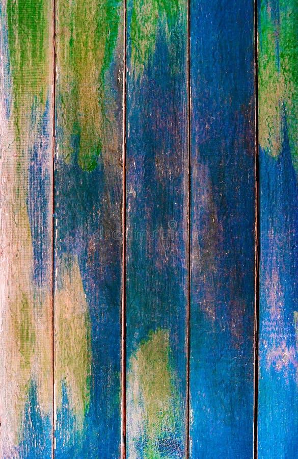 葡萄酒木绿色和深蓝水平的委员会 与拷贝空间,文本的室的正面图 设计的背景 图库摄影